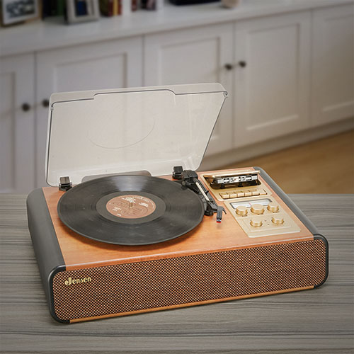 Jensen 3-Speed Stereo Turntable with Cassette/Radio